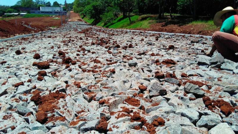 Concluindo a 1º fase das obras, Prefeitura se prepara para pavimentar novos trechos